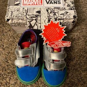 New toddler Boys Marvel Vans Size 5.5